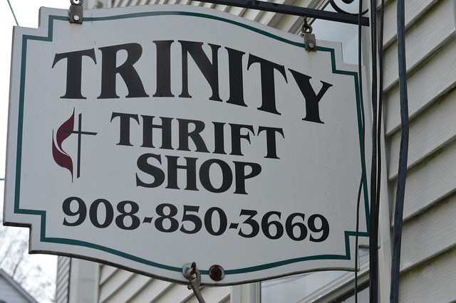 Thrifty Shop sign